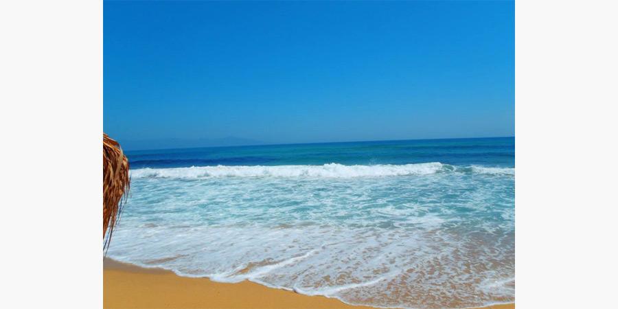 la_roca_beach_bar_citypedia_kavala_009