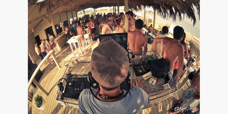 la_roca_beach_bar_citypedia_kavala_013