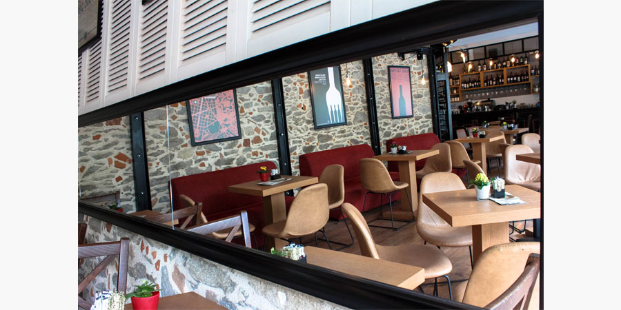 francos_cafe_bar_citypedia_kavala_013