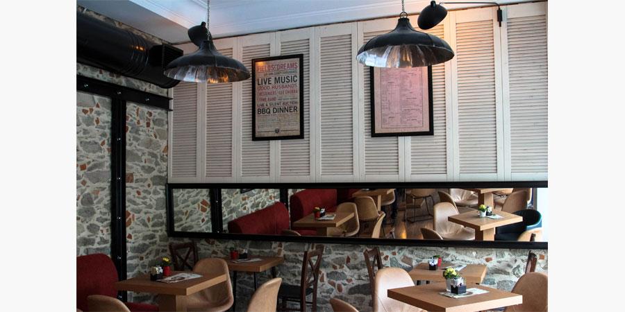 francos_cafe_bar_citypedia_kavala_014