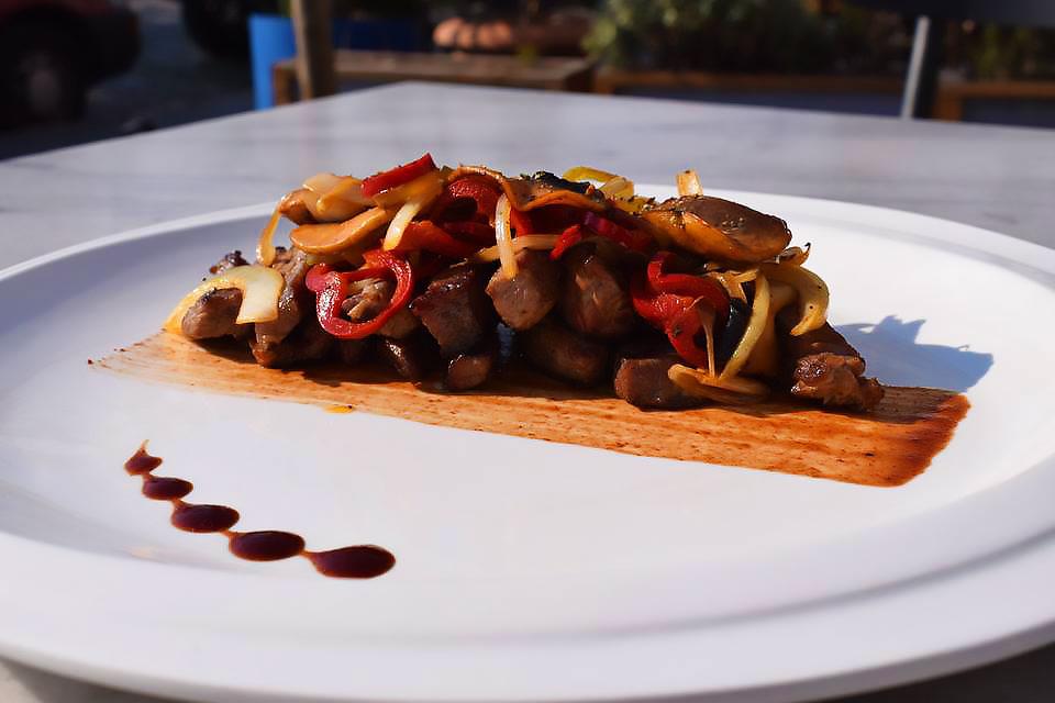 Μοσχαράκι-φαχίτας-με-sweet-chilli-sauce