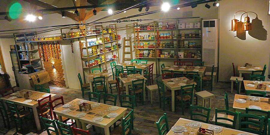 sto-koutouki-tou-sarri-tavernes-kavala-citypedia-esoterikos-xoros-002