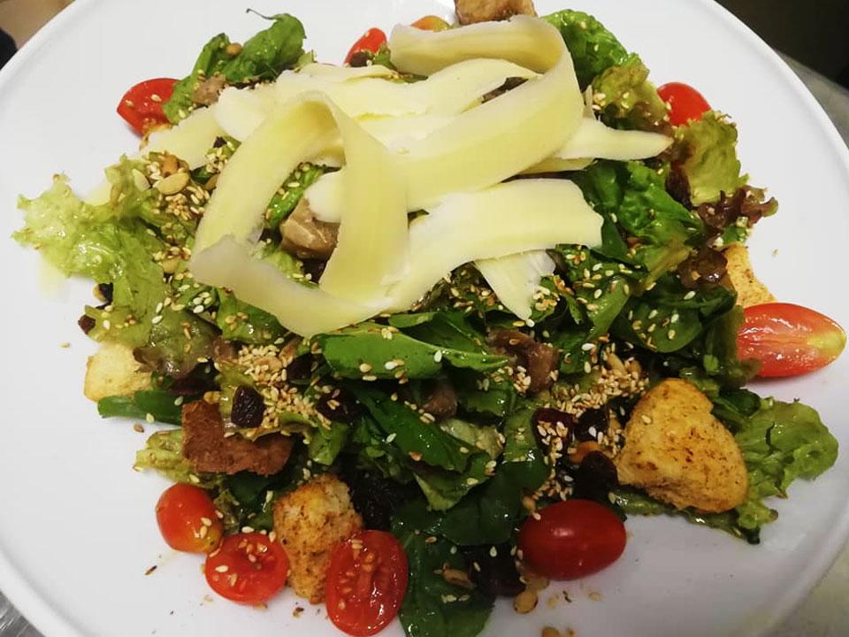 yalos-bar-salata-tigania-kavala-citypedia