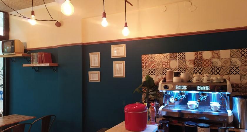 augokanto-cafe-brunch-kavala-citypedia-esoterikos-xoros-003