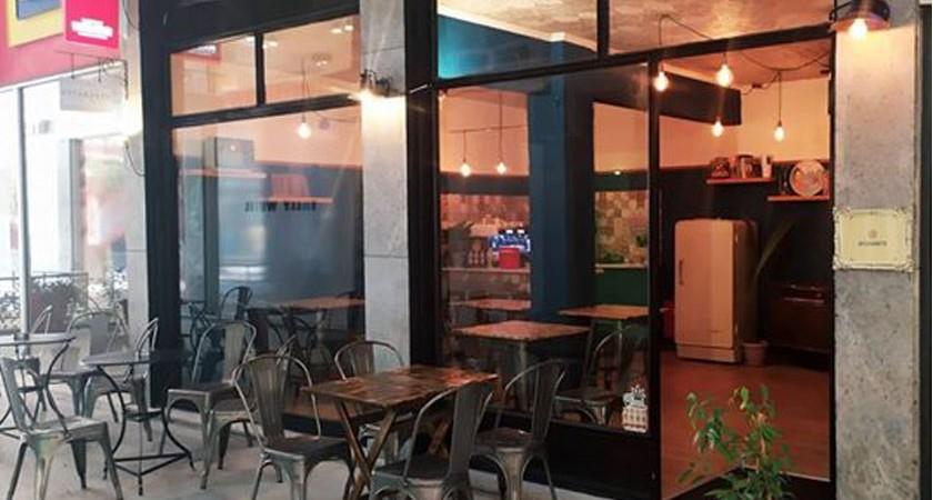 augokanto-cafe-brunch-kavala-citypedia-esoterikos-xoros-006