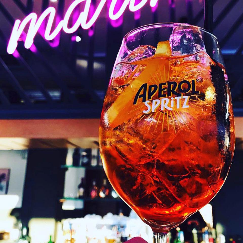 marine-all-day-bar-kavala-citypedia-cocktails-aperol-spritz