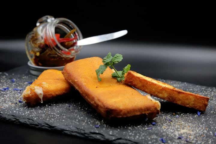 charcoal-steak-bar-kavala-menu-tyr-logia-saganaki